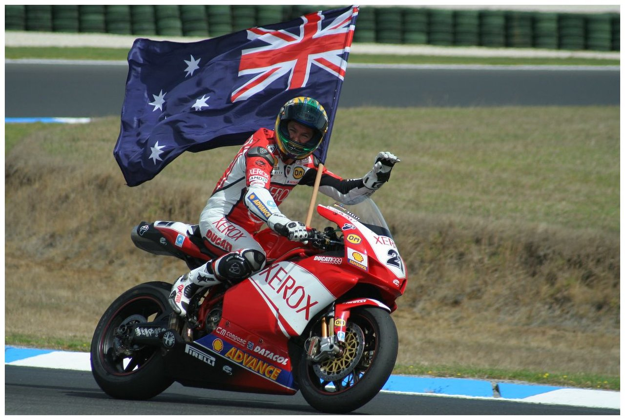troy_bayliss_after_the_win_by_buffaloo99