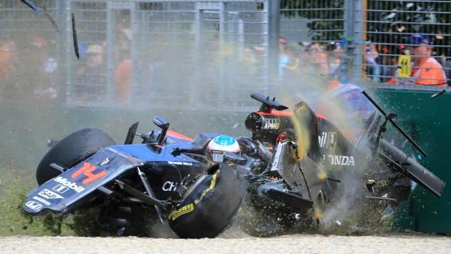 Chiếc xe nát bét của Alonso ở Australia 2016