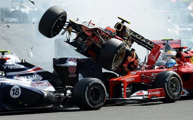 Alonso (xe đỏ) ở Spa 2012