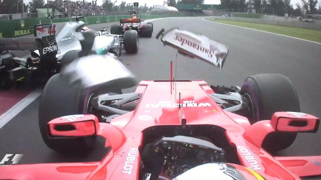 Vettel tông vào đuôi xe Hamilton ở Mexico 2017