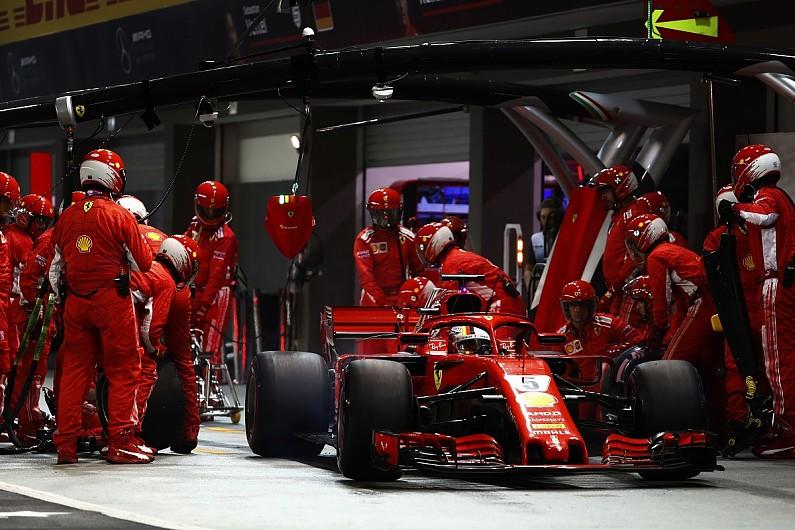 Vettel định chơi trội bằng lốp Cực mềm ở Singapore 2018